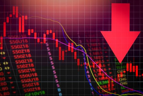 Can the Stock Market Crash During an Economic Boom?